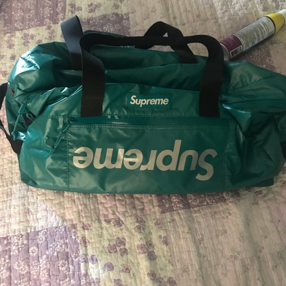 "Supreme Other - Teal supreme duffle bag ""MISPRINT"""